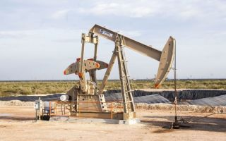Нефть дорожает на фоне данных о снижении мировых запасов сырья