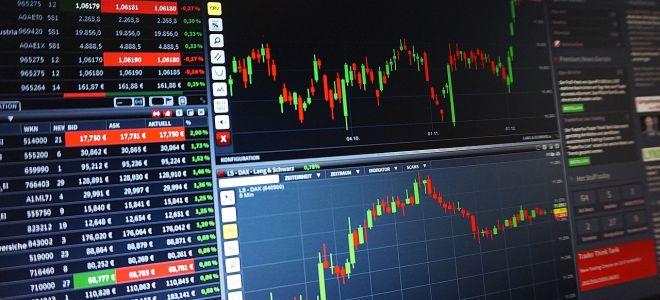 Рубль начал снижаться в рамках коррекции после двухдневного ралли