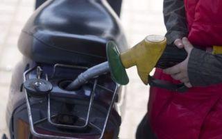 В России продлили заморозку цен на бензин еще на три месяца
