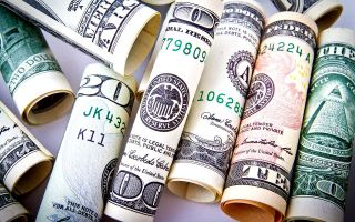 Заявление главы Минфина США в Давосе еще больше снизило интерес инвесторов к доллару
