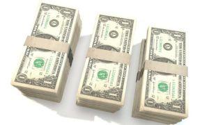 Растущая доходность американских гособлигаций поддерживает доллар в Азии