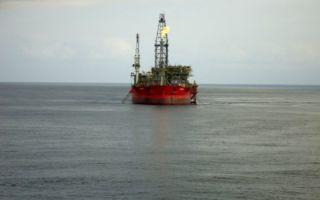 Цены на нефть снижаются из-за фиксации прибыли со стороны трейдеров