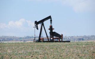 Нефть минимально дешевеет, но в целом рынок стабилен